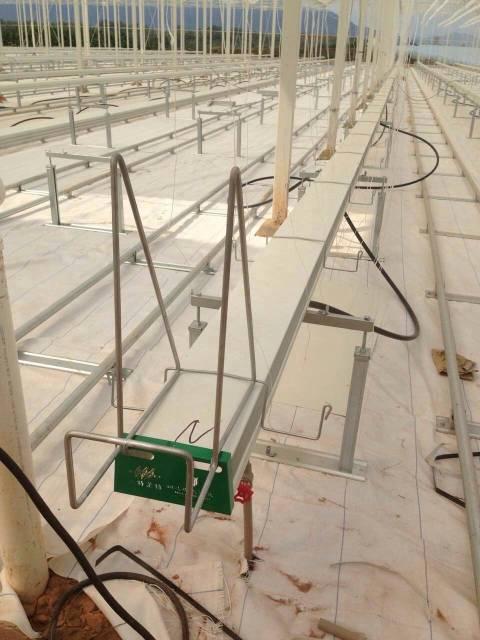L-1型栽培槽悬挂系统